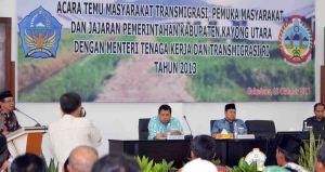 Kunjungan Kerja Menteri Tenaga Kerja dan Transmigrasi ; Muhaimin Iskandar Ke Kabupaten kayong Utara