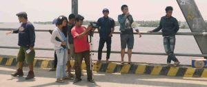 jembatan ujang tampoy naik uto kku kalbar d indonesia copy