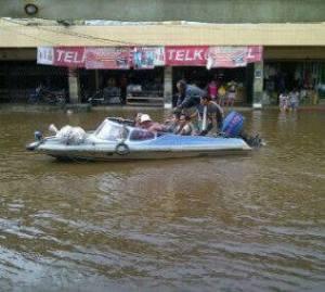 Banjir Pasar Melano