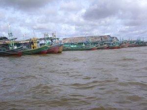Kapal Nelayan Yang Bersandar Di Pelabuhan Tanjung Satai