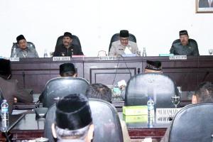 DPRD-Ketua-DPRD-KKU-Harapkan-PAD-Meningkat kayong utara 2015
