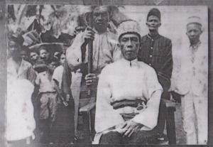 foto gusti mesir bersama pnggawa kerajaan, foto di ambil pada tahun 1940an