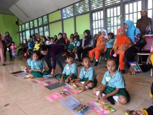 (warta pendidikan), Lomba Kemampuan Motorik Anak2 TK-PAUD di Kec. Simpang Hilir 2011 (doc. Norma Yunita) kayong utara 2011