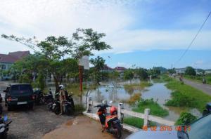 banjir di dinas pendidikan dan kesehatan rabu 17 Februari 20151