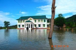 banjir di kemenag kku rabu 17 Februari 20151v