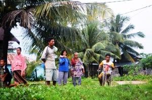 kisah Dua Sejoli dari satai  yang setia 2015 pintau julhiar