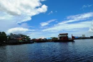 Pelabuhan teluk batang kayong utara 2015