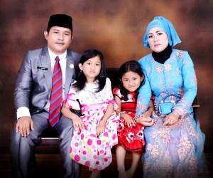 foto bersama m sukardi dan keluarganya