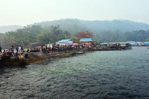 hiruk pikuk kegiatan jukong race pada festival karimata 2015 menyambut sail karimata 2016